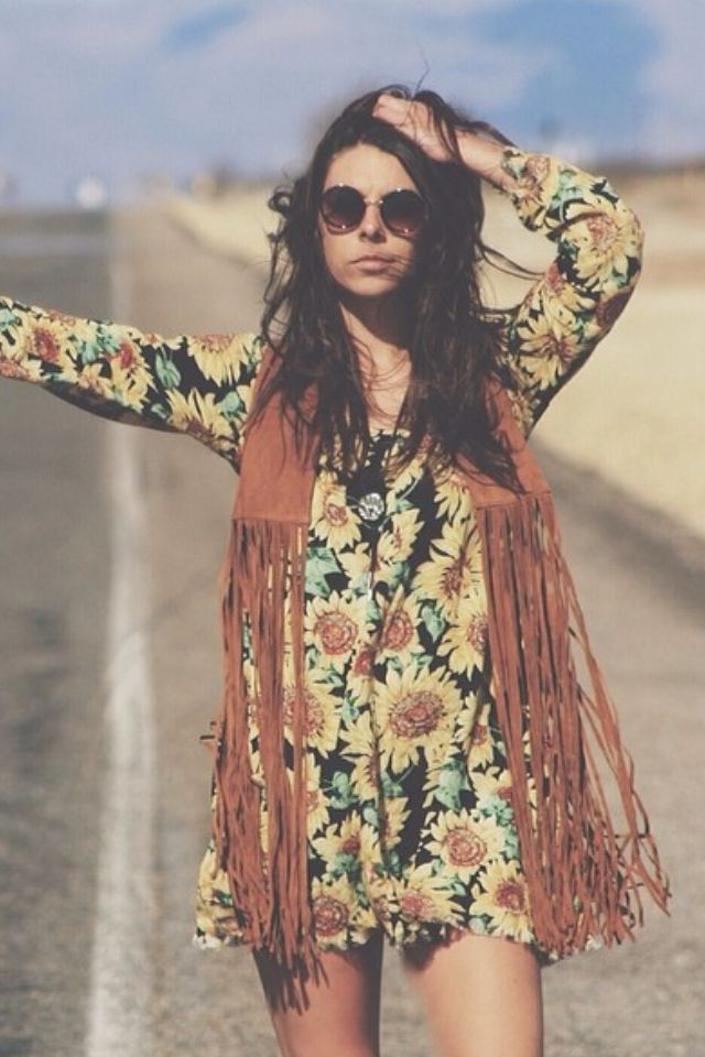 love this sunflower dress and fringed waistcoat teleport me to coachella x this girl 39 s. Black Bedroom Furniture Sets. Home Design Ideas