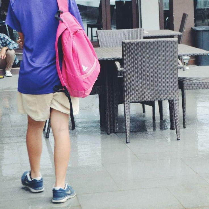 """@zahrarsydii_ - """"Jika dia memutuskan untuk memulai pergi menjauh itu berarti sudah saatnya kau memulai kesempatan yang baru."""" (Kutipan Tere Liye)  Lokasi: @hoteldseason  #dseason #pantaibandengan #visitjepara #jatenggayeng #exploreindonesia #pesonanusantara"""