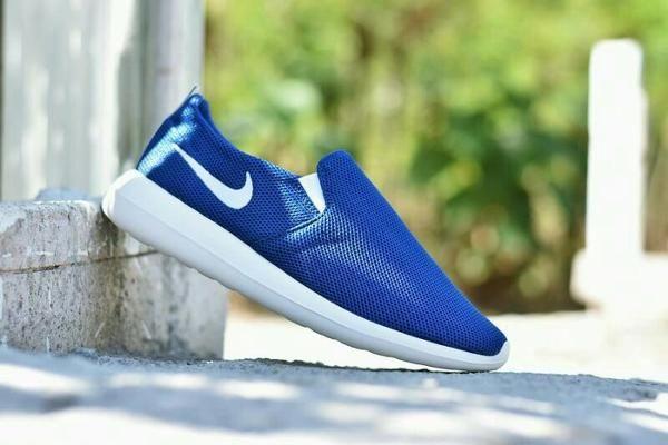 Jual Terlaris Sepatu Sport Nike Roshe Run Slip On Casual Running