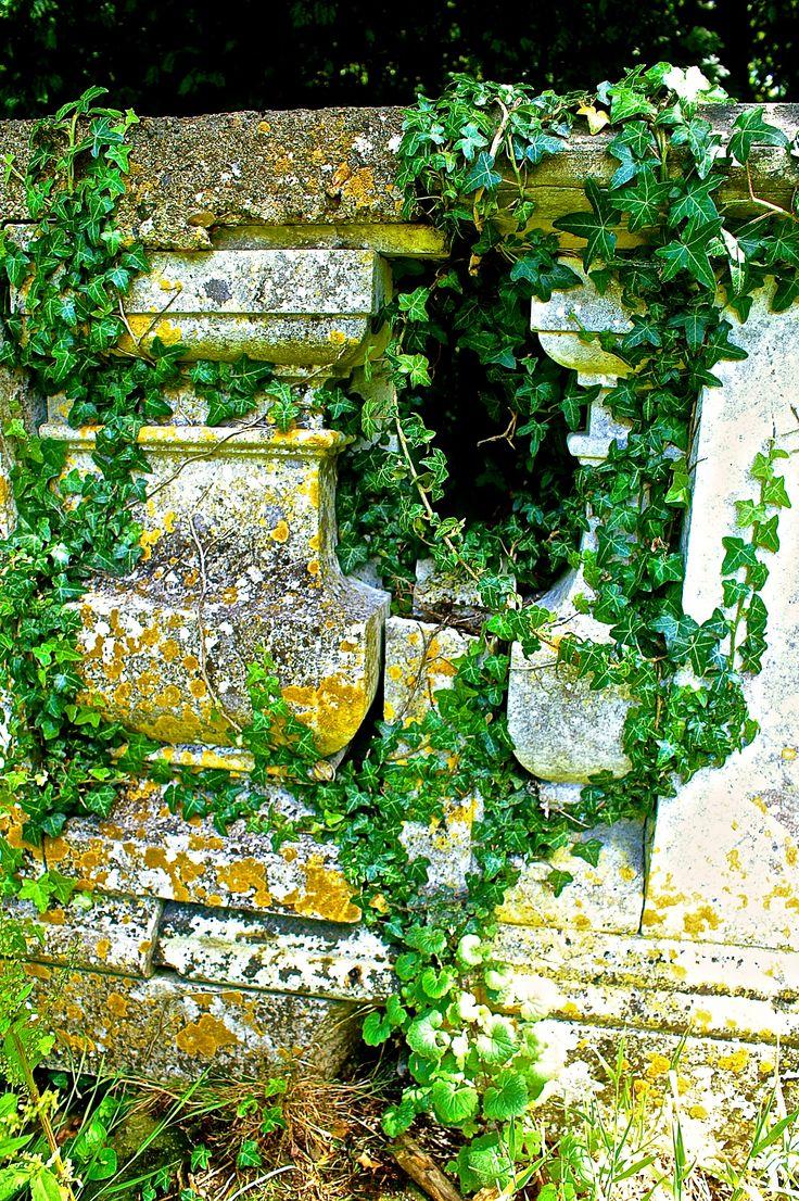Oude Grafkist op een Begraafplaats in Graafschap Kent in Engeland