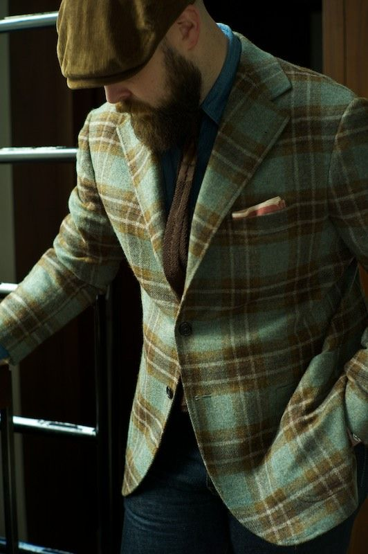 I can see this jacket paired with a beautiful cashmere chocolate turtleneck and chocolate silk wool trousers.