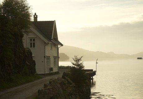 Norwegen: Haus am Fjord