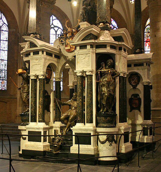 Das prunkvolle Grabmonument von Wilhelm von Oranien (genannt Wilhelm der Schweiger) stellt zweifellos die Haupt-Sehenswürdigkeit in der Nieuwe Kerk in Delft dar. www.claudoscope.eu