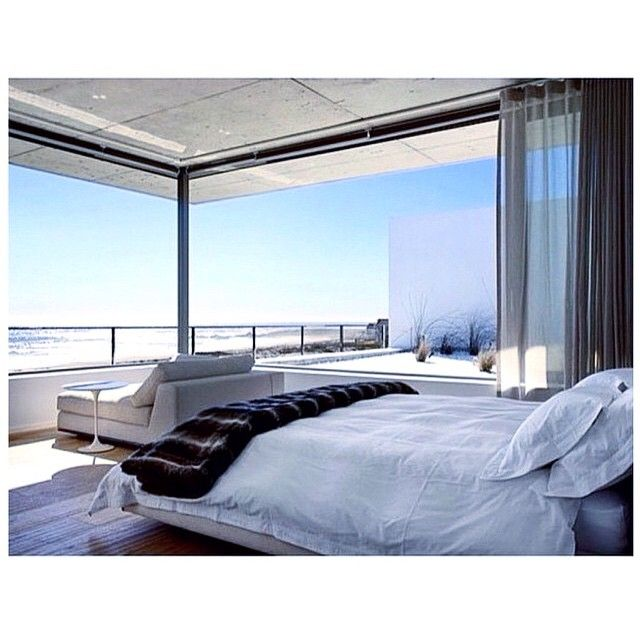 Afternoon naps would be best here, thank-you! Envy levels running high #interiorenvy #beachview #bedroom