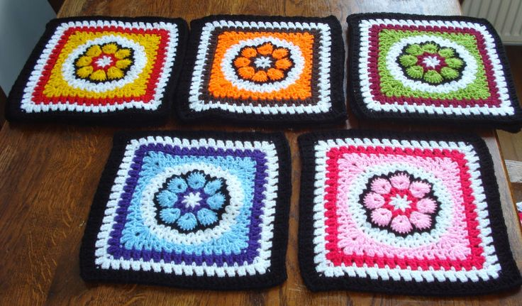 Avalon`s Creablog: African Circle Square - Free pattern scroll down for English version