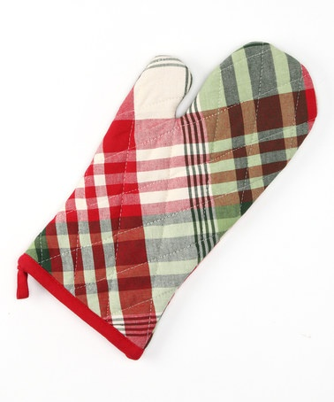 Take a look at this Design Imports Cozy Christmas Plaid Oven Mitt by Christmas Breakfast Collection on #zulily today!