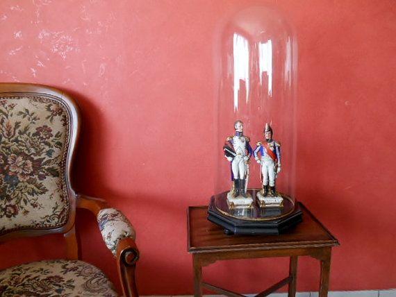 Victoriaanse Glazen Globe met Octagonale Basis door SecretsOfThePast