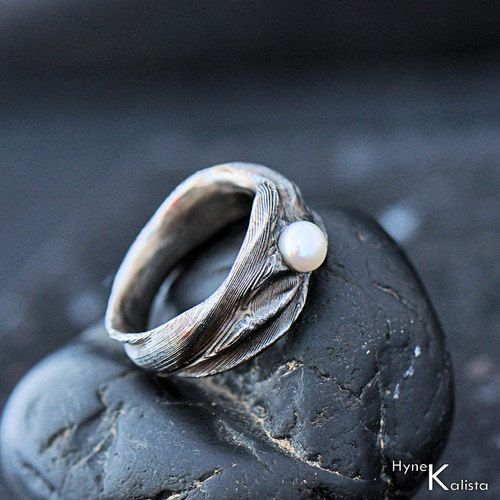 Romantic Wedding or Engagement Ring with Pearl, Women ring - Hand forged stainless damascus steel wedding or engagement ring - Water Nymph