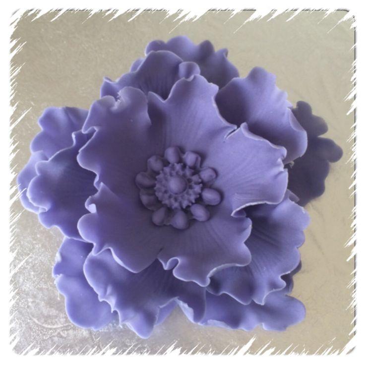 Pion laget av fondant, se www.kakebua.net for fremgangsmåte ❤️ #peony #flower  #cakedecoration