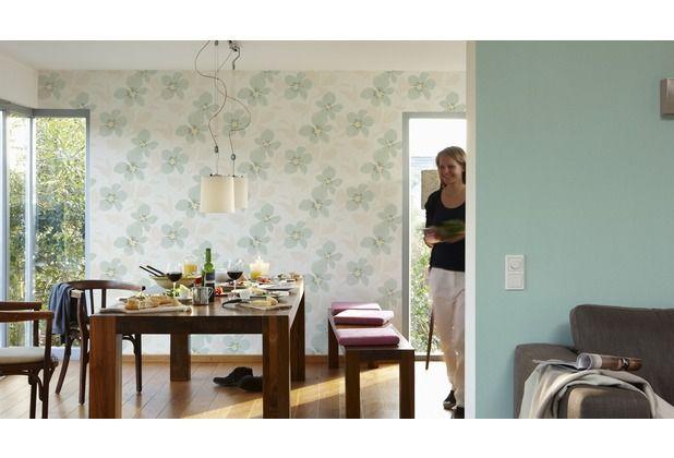 Helles Grün ist eine beliebte Farbe für Tapeten im Wohnzimmer und Schlafzimmer. #Tapete #Wanddekoration #Tapetenideen #Schlafzimmer #Wohnzimmer #Büro #Küche #Esszimmer #Flur #Blumen #Blüten #floral #Hertie  AS Création
