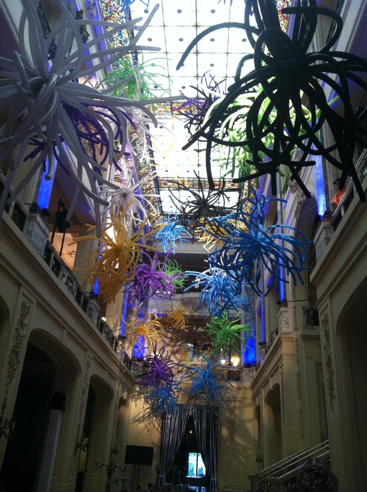 4 story atrium of balloons by www.Total-Party.com