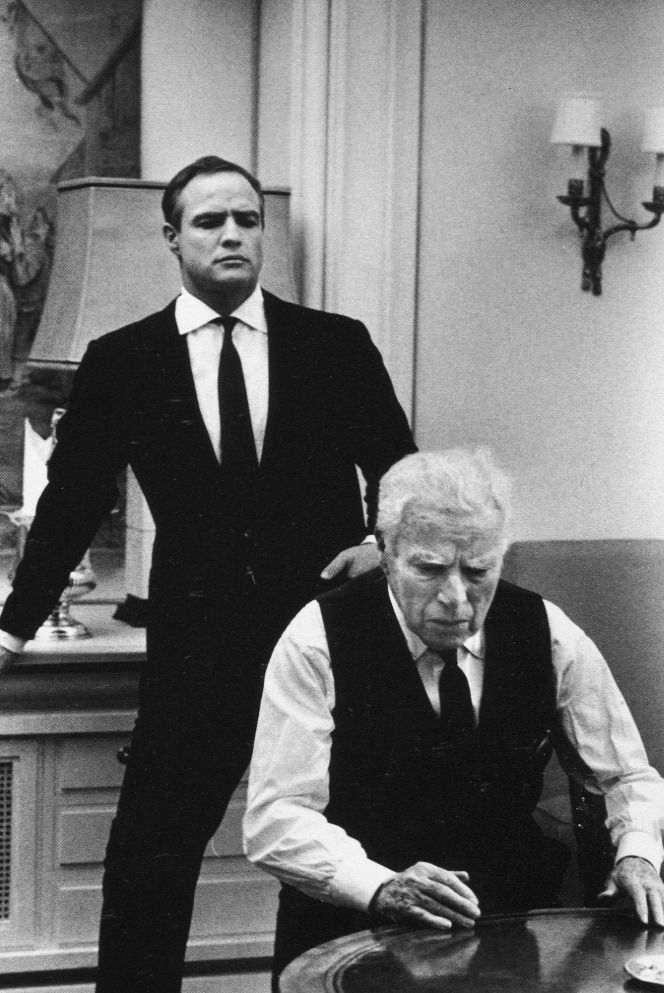 "Charlie Chaplin and Marlon Brando on the London set of ""A Countess From Hong Kong"". Photographed by Alfred Eisenstaedt, 1966. °"