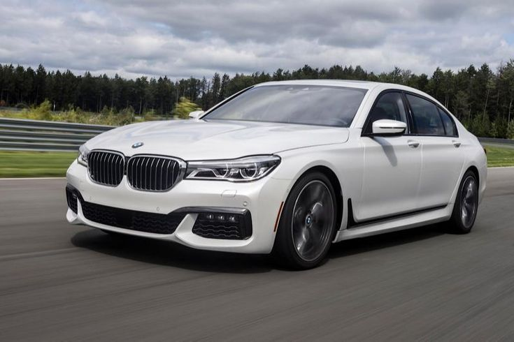 BMW 2016, Series 7 . White color