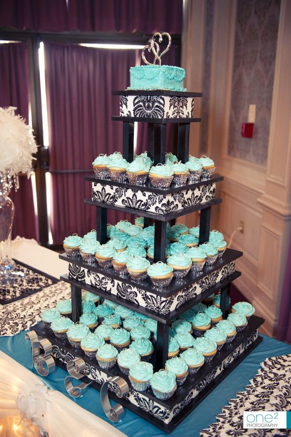 wedding cake and cupcakes stand black and blue cupcakes sweet 16 ideas i 21734