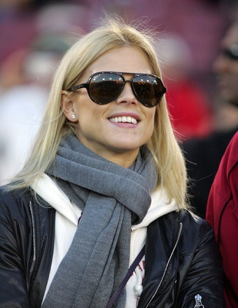 Report: Elin Nordegren Dating Billionaire Neighbor #CouplesNews