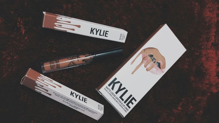 Yuhuuu got my new collection from KYLIE COSMETIC super exciting 💙💙💙