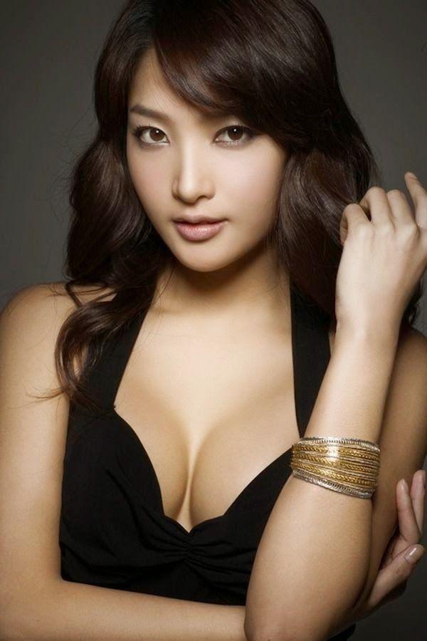 hang-chaeyoung-boobs-big-boob-movie