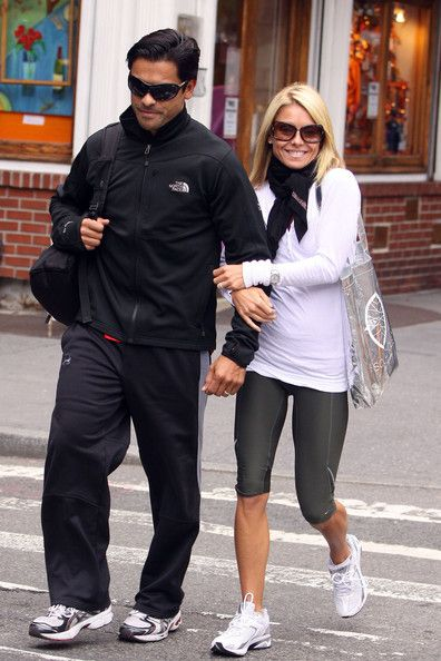 Kelly Ripa - Kelly Ripa & Husband Leaving A Gym In New York City=like her casual outfit