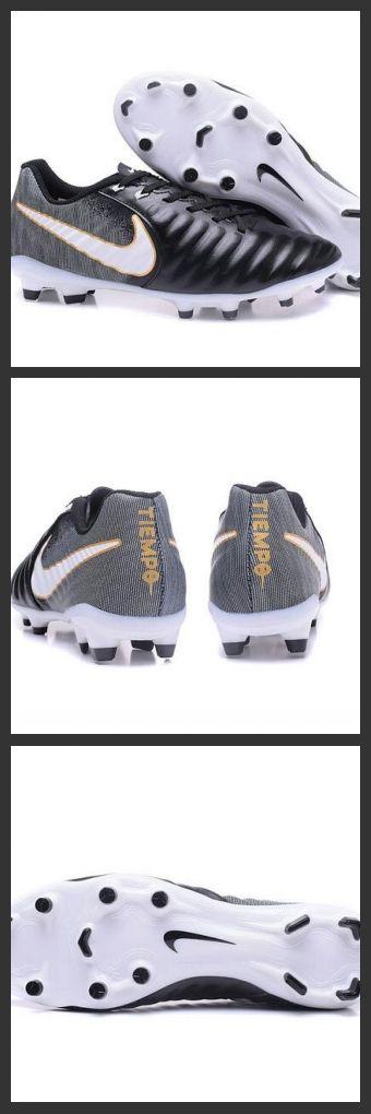 2017 Uomo Nike Tiempo Legend 7 FG scarpe da calcio Nero Bianco Per offrire una vestibilità degna del titolo Tiempo Legend, queste scarpe sono dotate di una nuova costruzione con linguetta integrata per evitare qualsiasi slittamento.