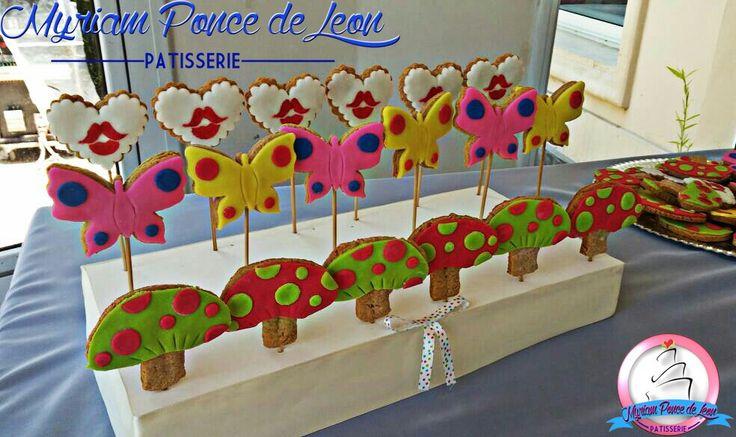 Cookies de jengibre y miel decoradas con fondand