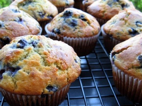 Orange Berry Muffins by Dorrie Greenspan #Muffins #Orange #Berry #Dorrie_Greenspan