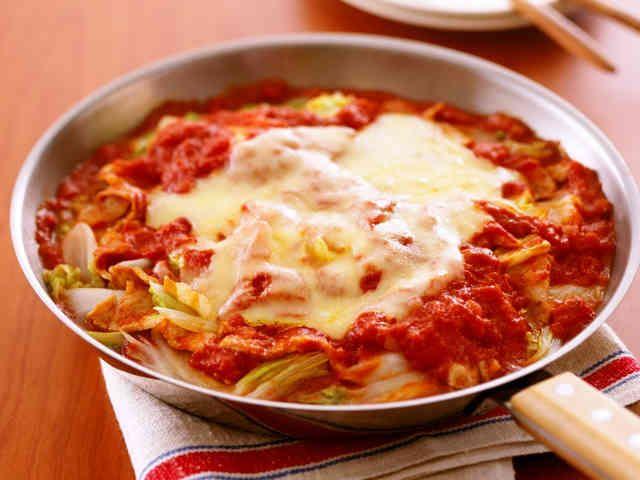 フライパンで白菜と豚肉のトマト蒸し煮