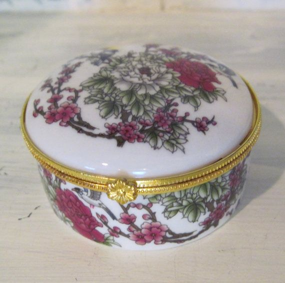 Vintage floral pattern golden edged white ceramic small jewelry box - retro small porcelain jewelry box - girls Christmas gift jewelry box by HTArtcraftAndVintage, $17.75