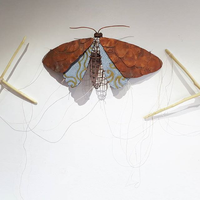 Here's the finished moth piece I've been working on in the studio, pictured in the resting position. It's a string puppet, so the wings move up and down at will. Haven't quite got the gist of how to create fluid movement yet, may post vid sometime. All #handmade with #reclaimed and #salvaged copper and linoleum, including the hinges. #sustainableart #sustainabledesign #recyclereuse #handcrafted #australiancraft #australianhandmade #artist #australianartist #nicolejakins #sustainablegifts…