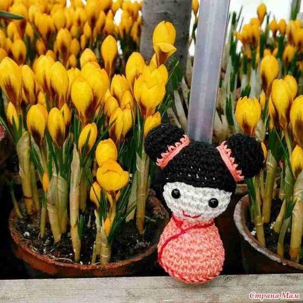 Традиционная Кокэси (варианты: кокейси или кокеши) — японская деревянная кукла, покрытая росписью. Кокеши появились в Японии более двухсот лет назад.