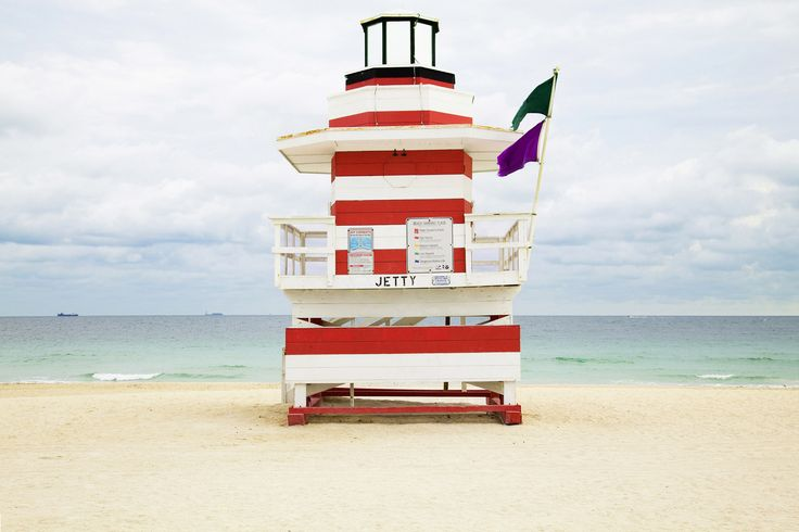 Miami Lifeguard houses,Léo Caillard Photographer