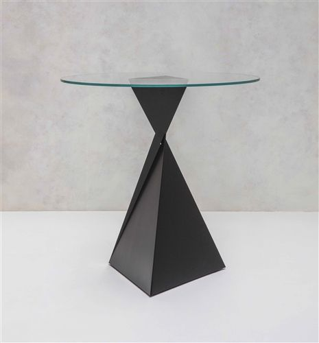 Ava Poser Table