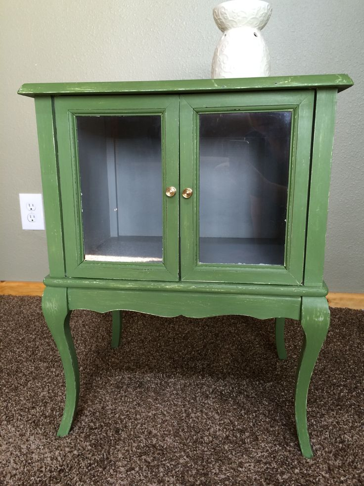 Annie Sloan Chalk Paint 11 of Olive
