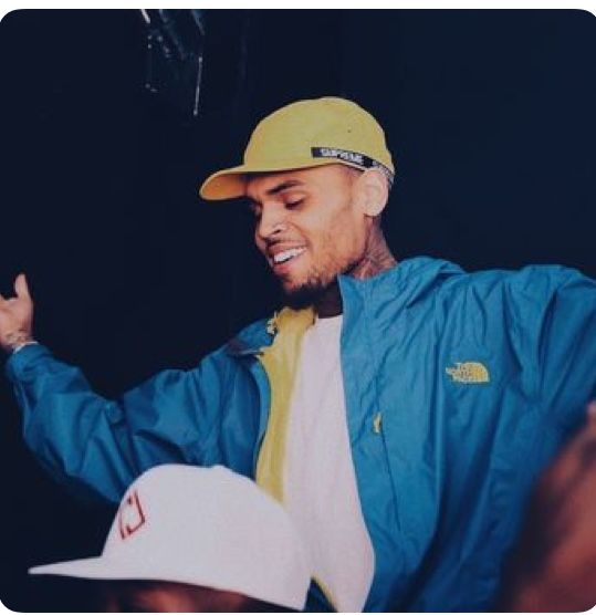 Chris Brown  #CHRISBROWN #teambreezy #heartbreakonafullmoon #royalty  PINTEREST:DEE✨