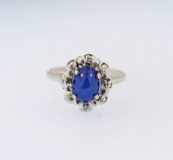 Ladies 14k White Gold Ring with Linde Oval Star Sapphire Stone
