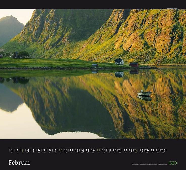 """Mittsommernacht über den Lofoten (aus dem GEO Kalender """"Häuser mit Aussicht"""")"""