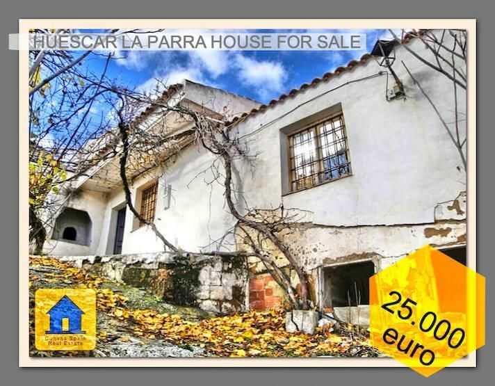 Large village house for a total renovation - Huescar € 25000