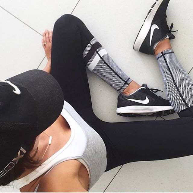 YOU CAN ALWAYS COUNT ON A PAIR OF LILYBOD LEGGINGS TO GET YOU THROUGH WORKOUT#LILYBODBABE @DANIBONNOR IN THE ZOE RUNWAYS & THEY'RE RESTOCKED IN ALL SIZES! #LILYBOD (Fitness Clothes)