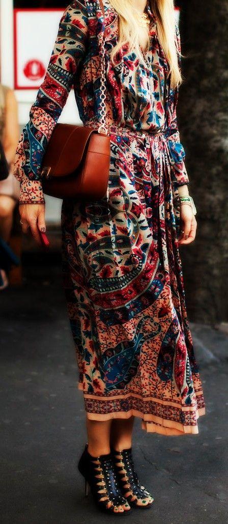 Boho Look | Vestido estampado estilo hippie chic e sandália gladiadora alta