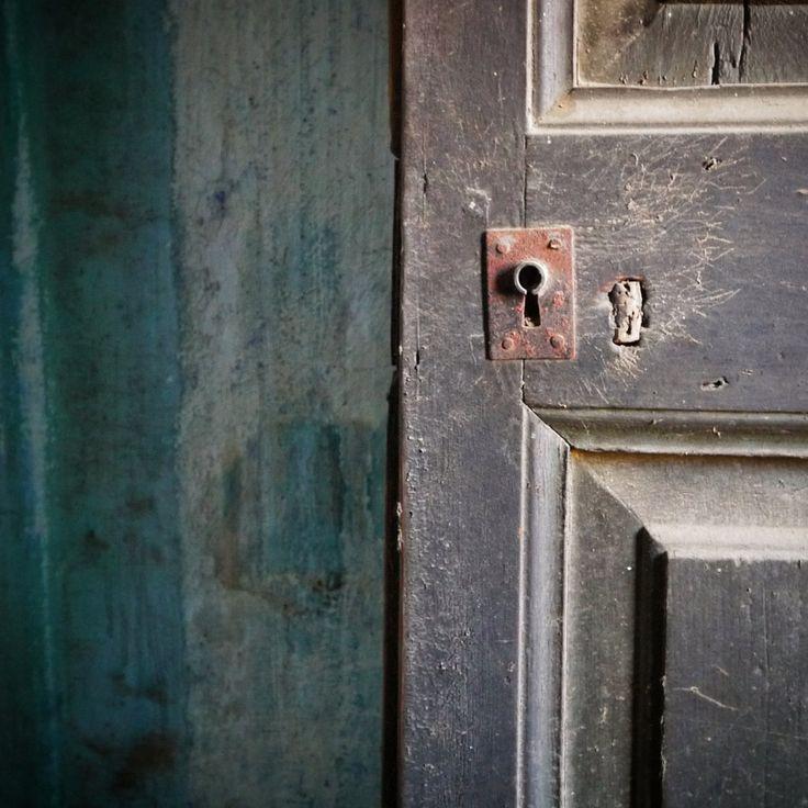 Catalonia, abandoned door