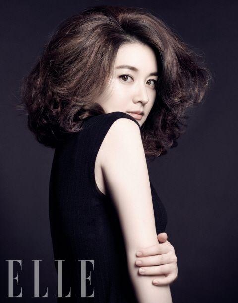 Lee Young Ae for ELLE Korea. Image via Koreanclicks.com