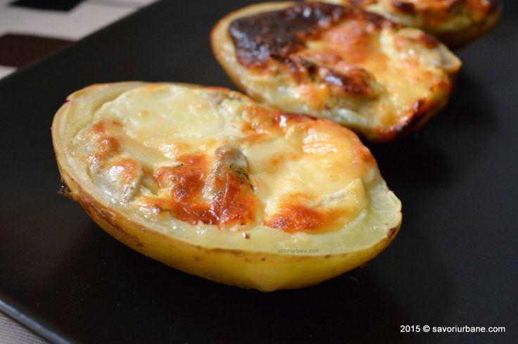 Cartofi copti cu ciuperci branza si usturoi