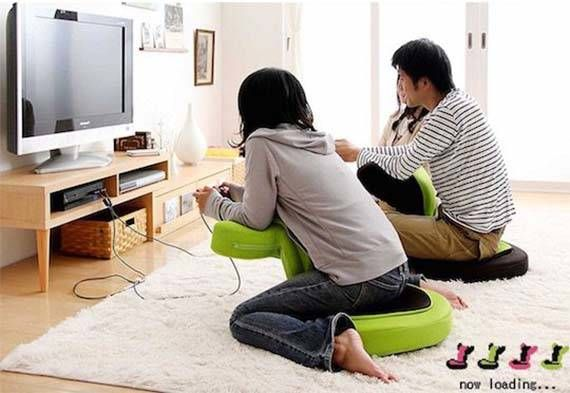 Buddy the Game Chair Lets You Comfortably Play Games on the Floor
