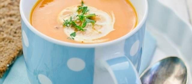 Pompoensoep Met Kokosmelk En Thais Citroengras recept | Smulweb.nl