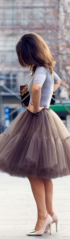 Street Style | Tulle Skirt reminds me of sex and the city, with Carrie in her pink tutu