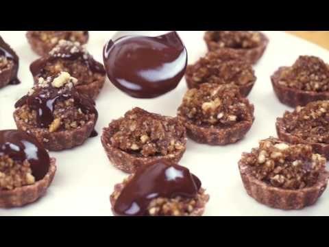 Ořechové košíčky - RAW VEGAN dezert - YouTube