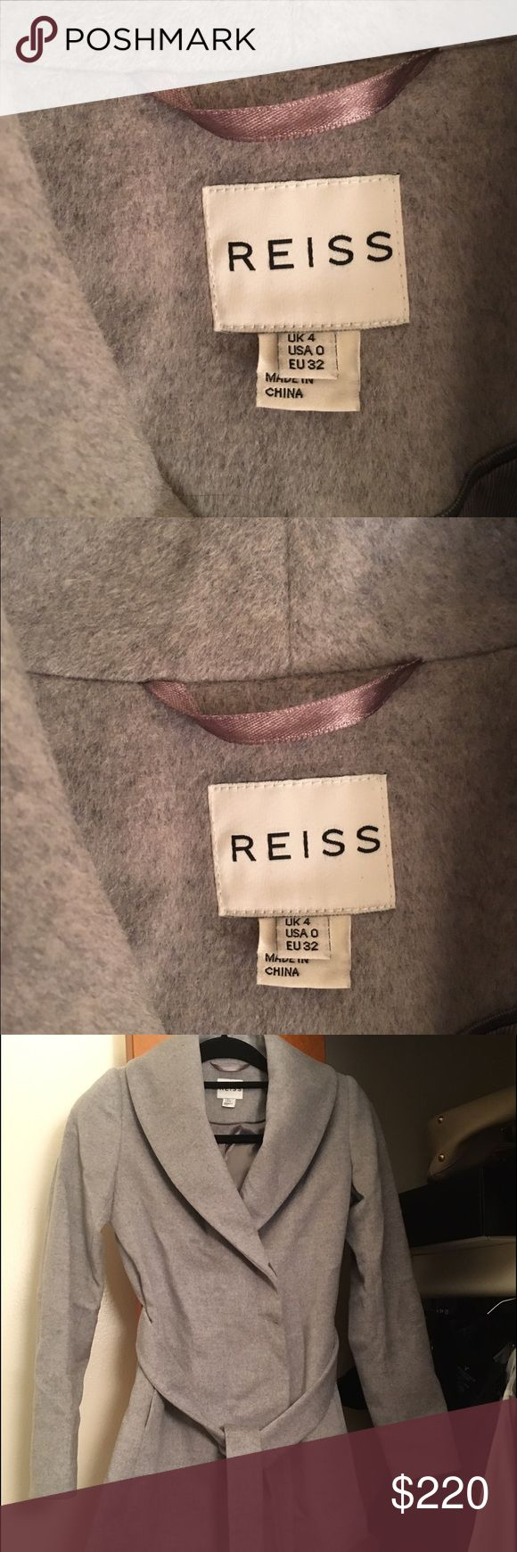 Reiss short coat Reiss 100% wool short coat. Size US 0. Reiss Jackets & Coats