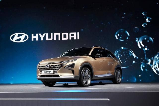 #green #hyundai #fcev Hyundai Motors Next-Gen Fuel Cell SUV Promises Range and Style What's new on Lulop.com http://ift.tt/2wgrTfC