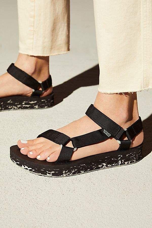 b2b0e5fd993c Teva Midform Universal Glow Sandal in 2019