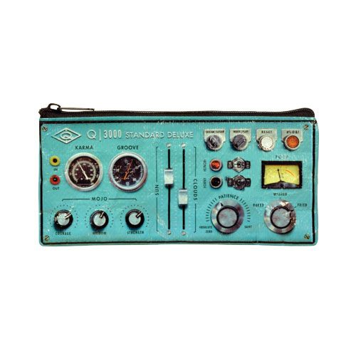 "Estuche ""Oldie Control Panel"" ($3.990)"