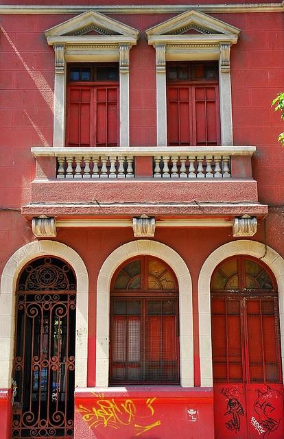 Red Casa in Providencia, Santiago, Chile via flickr. by StevenMiller